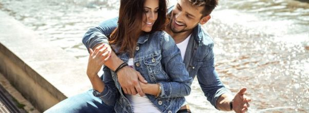 How to Pick Up Girls – Crucial Flirting Tips for All Guys